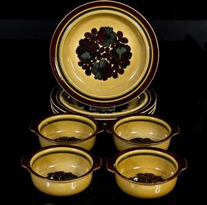 Otso Dinner Plates by Ulla Procopé, Arabia