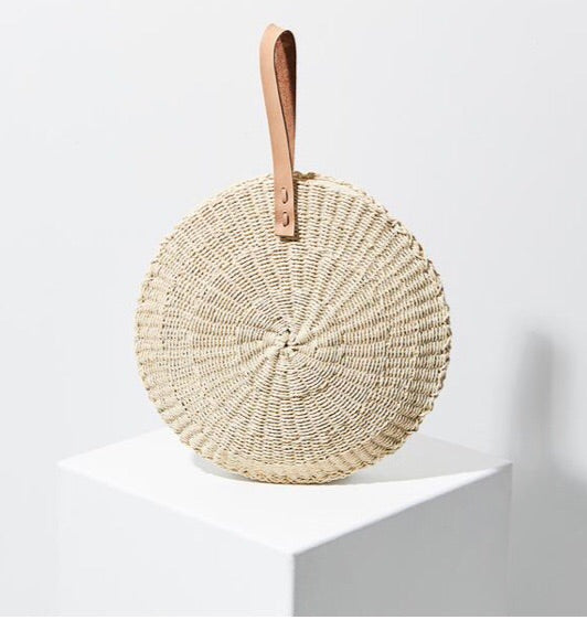 The beach people scallop mini bag- paper straw