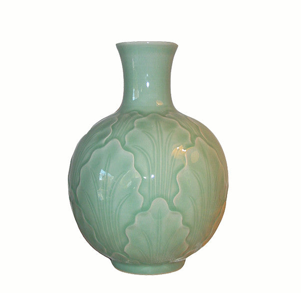 Lotus Leaves Porcelain Vase - Dyag East