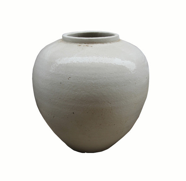 White Ceramic Pottery - Dyag East