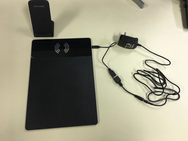 PKG003 - smartphone AC:  10 w AC adapter 6ft cable, wireless charging stand mousepad