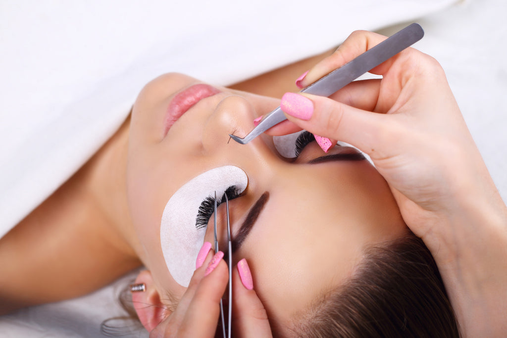 Eyelash Extension Class w/ Starter Kit