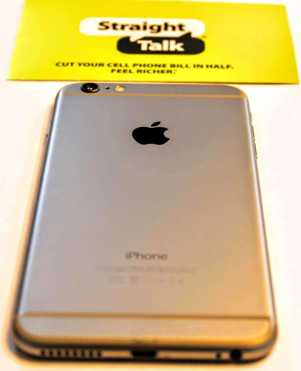 Straight Talk iPhone 6+ Plus 4G No Contract Prepaid Phone