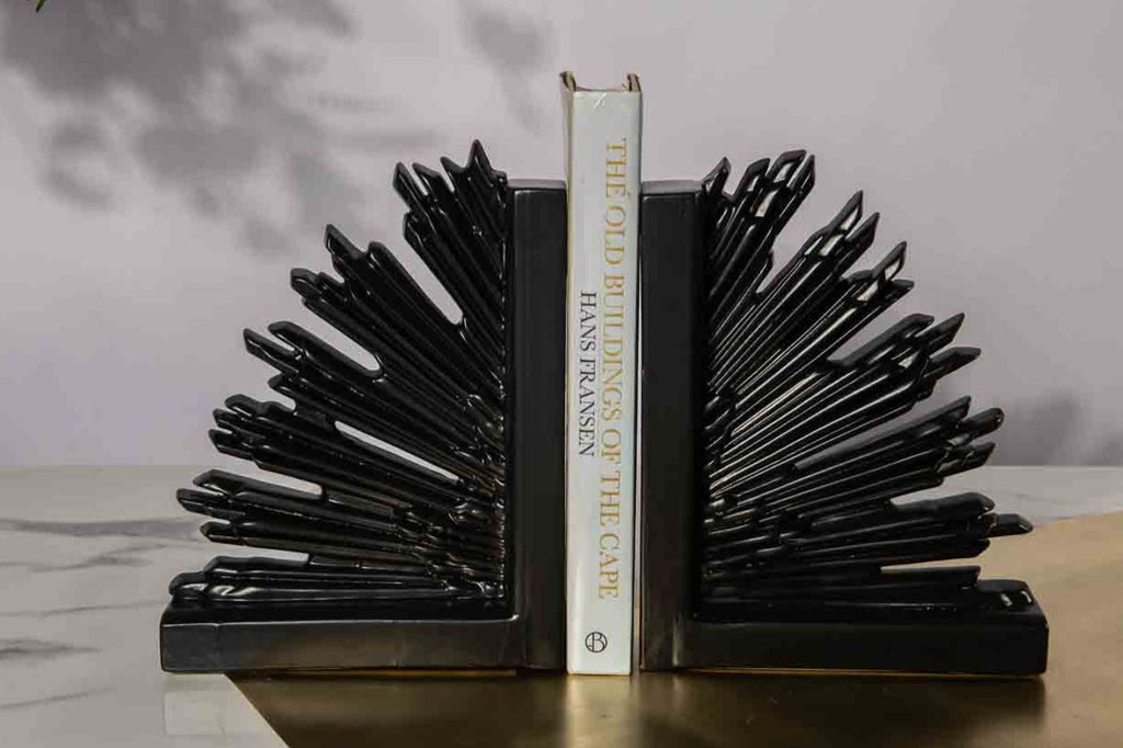 GAME OF THRONES BOOK ENDS