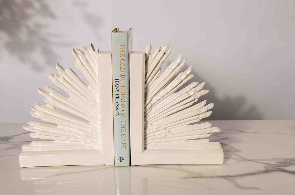 GAME OF THRONES BOOKENDS