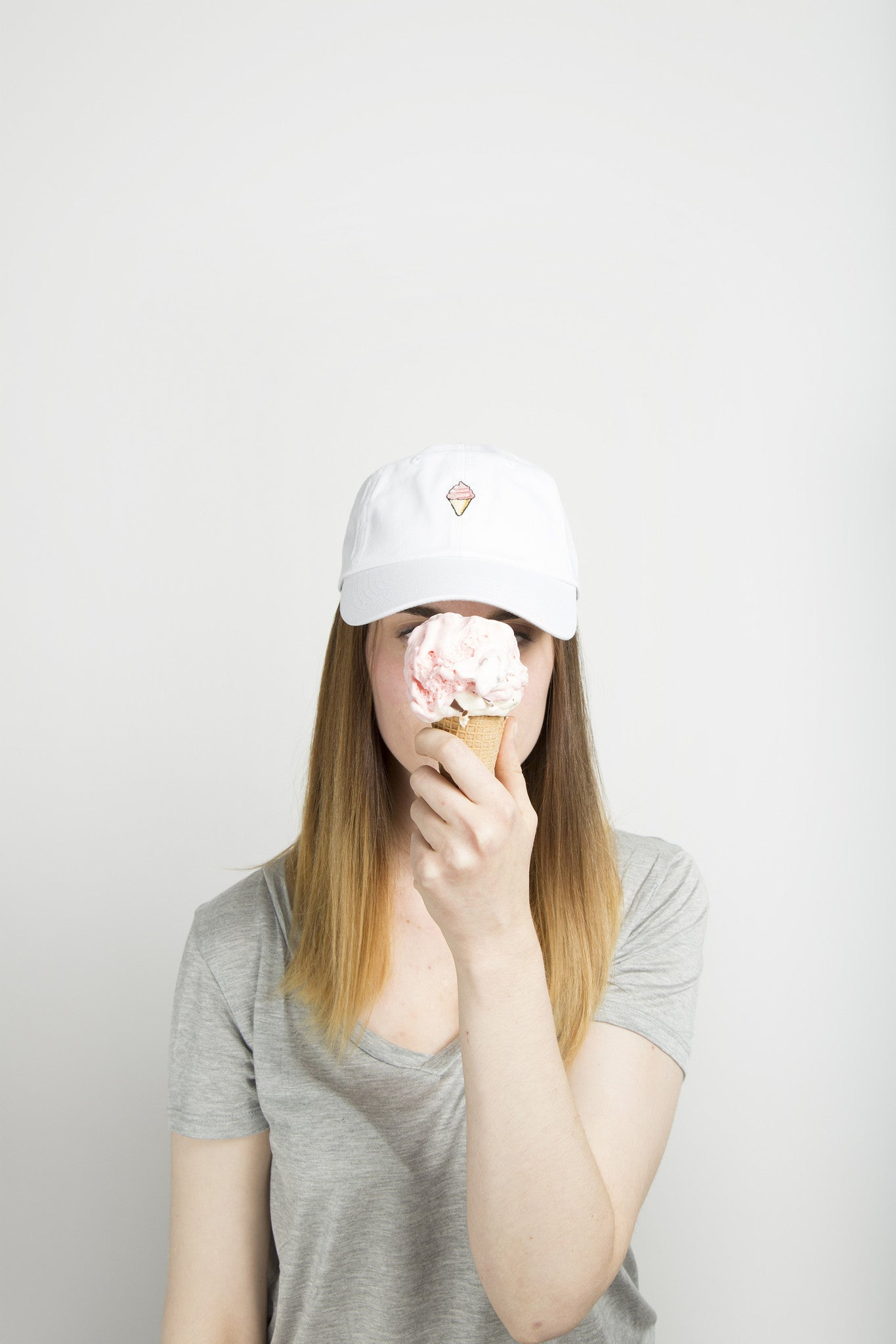 ICE CREAM (WHITE)