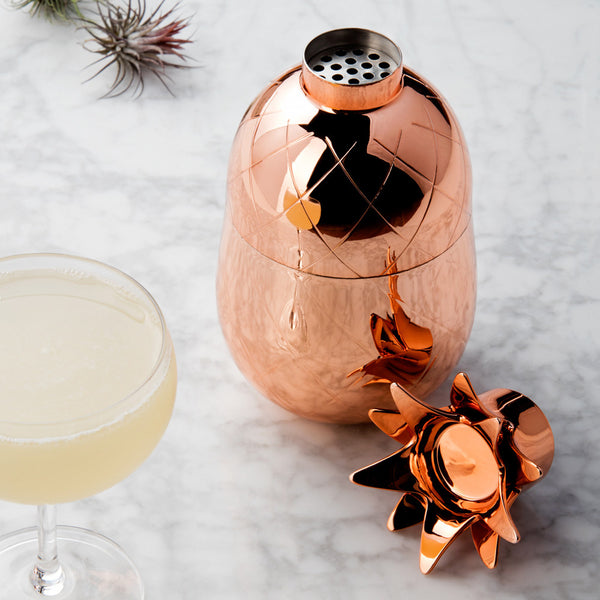 Pineapple cocktail shaker | Gold