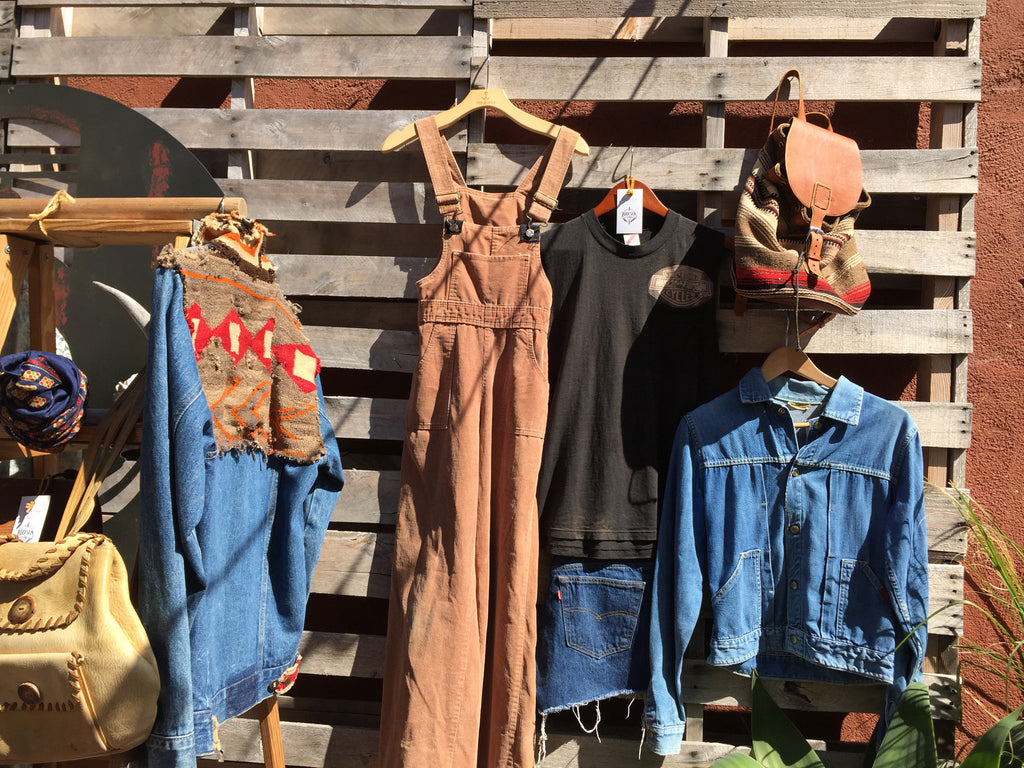 Backyard Flea at Iron & Resin 10.01.2016