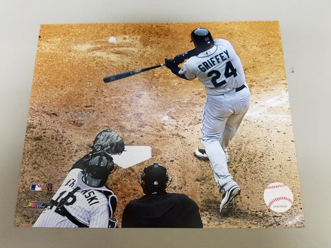 UNSIGNED Ken Griffey (batting) 8x10
