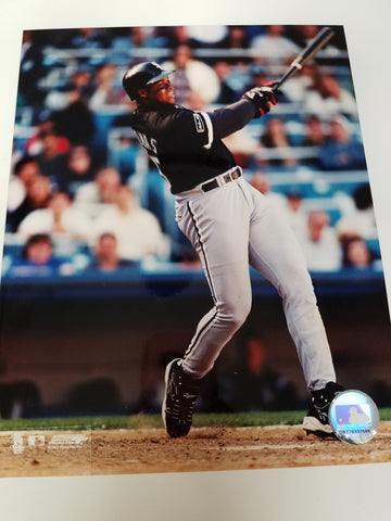 UNSIGNED Frank Thomas (batting4) 8x10