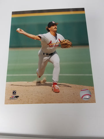 UNSIGNED Dennis Eckersley (pitching) 8x10