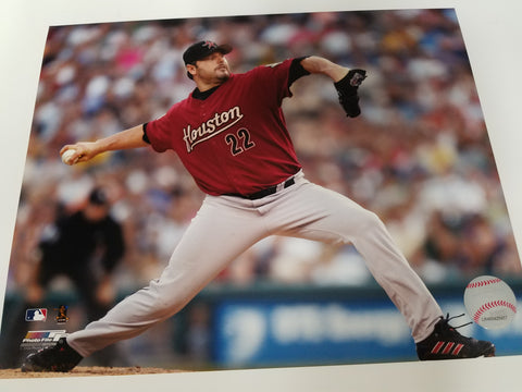 UNSIGNED Roger Clemens (pitching) 8x10