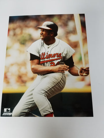 UNSIGNED Frank Robinson (batting) 8x10