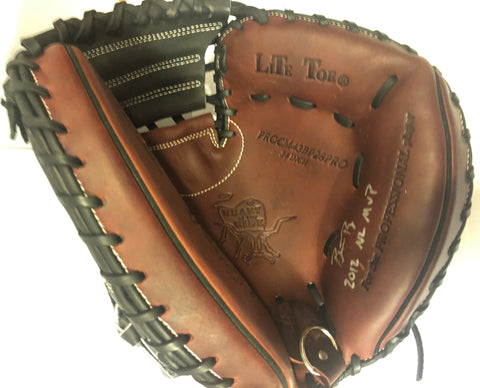 "Buster Posey Autographed Catchers Mitt, ""2012 NL MVP"" incription"