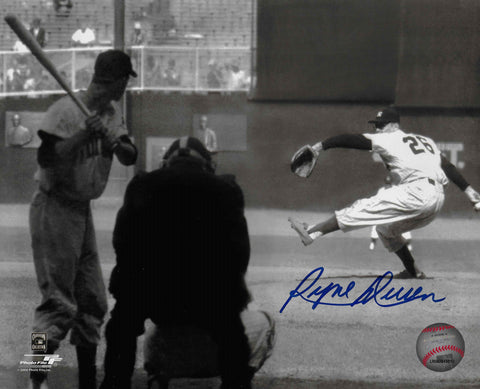 Ryne Duren Autographed 8x10 Photo (Pitching)