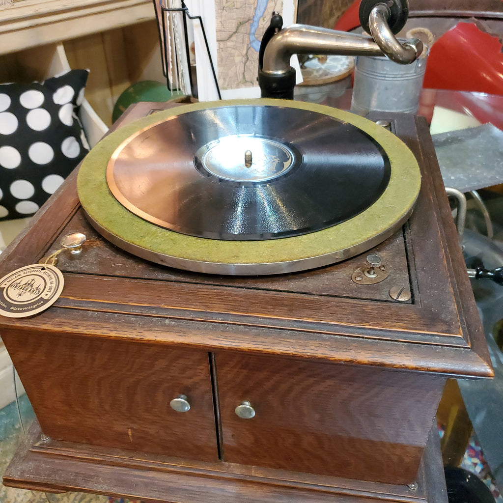 Antique Victor Victrola - table top
