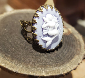 Mermaid cameo ring handmade by Anni Frohlich