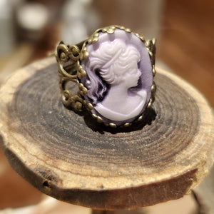 Purple cameo ring handmade by Anni Frohlich