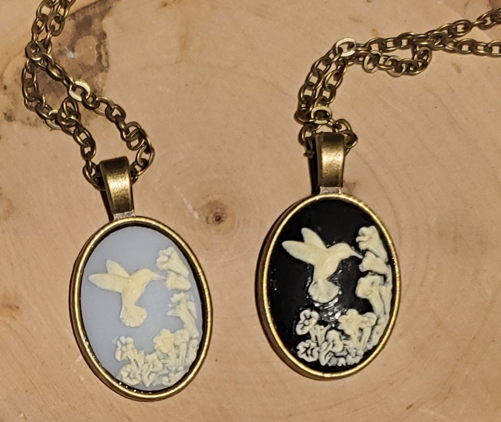 Hummingbird Cameo Chain Necklace handmade by Anni Frohlich