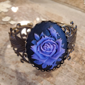 Purple Rose Cameo Bracelet handmade by Anni Frohlich