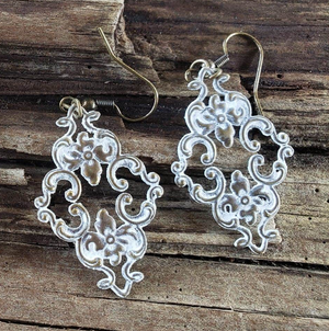 Small Filigree earrings handmade by Anni Frohlich