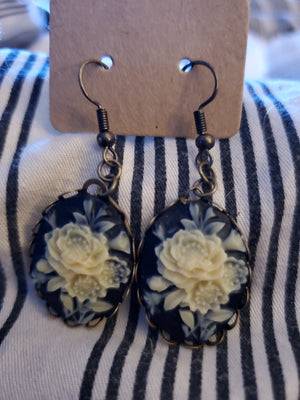 Black Rose Cameo Earrings handmade by Anni Frohlich