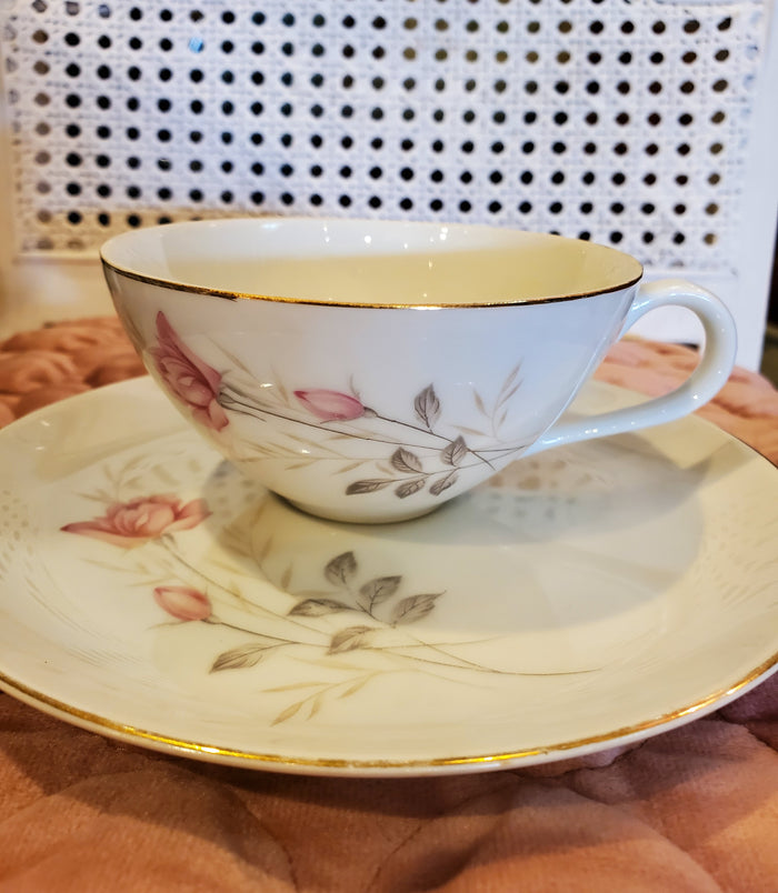 American Rose Teacup and saucer by Camelot China AR01