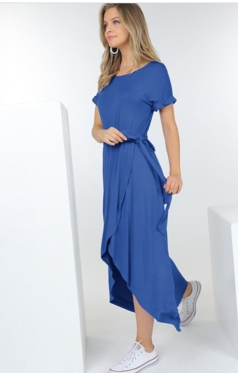 Short sleeve dress with tie waist