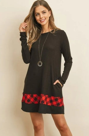 Black and plaid dress with pockets - long sleeves