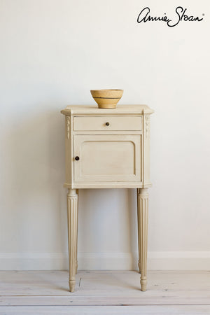 Old Ochre Chalk Paint® by Annie Sloan