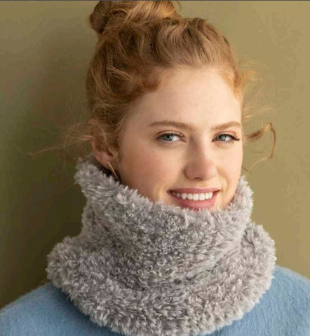 Single Skein Furreal Cowl Kit