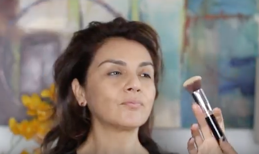 makeup-foundation-brush-tutorial