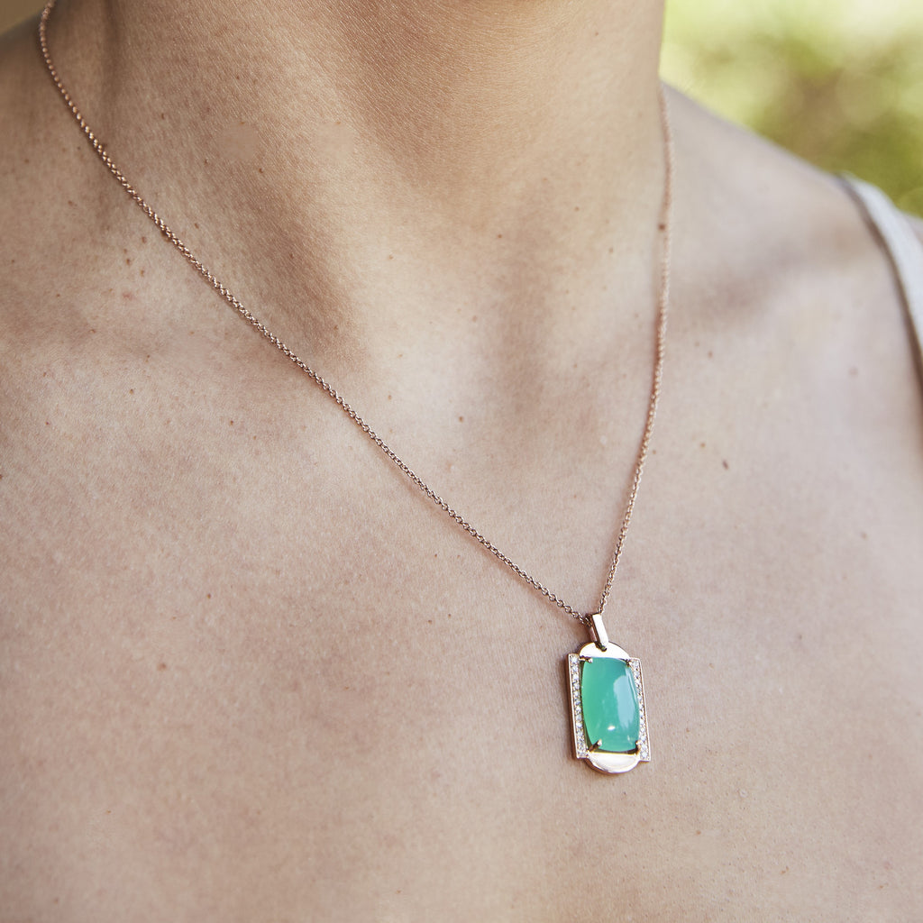 Diamond and Green Opal Pendant in Gold Jewelry-Frame Sans Series