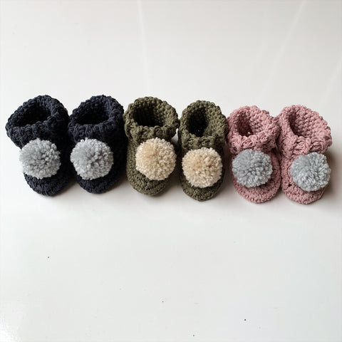 Organic cotton pom pom booties