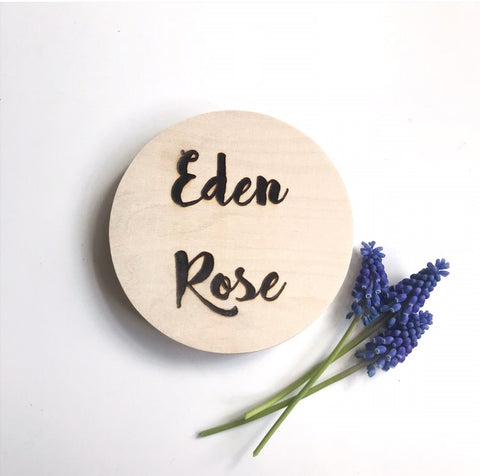 Personalised circular name plaques