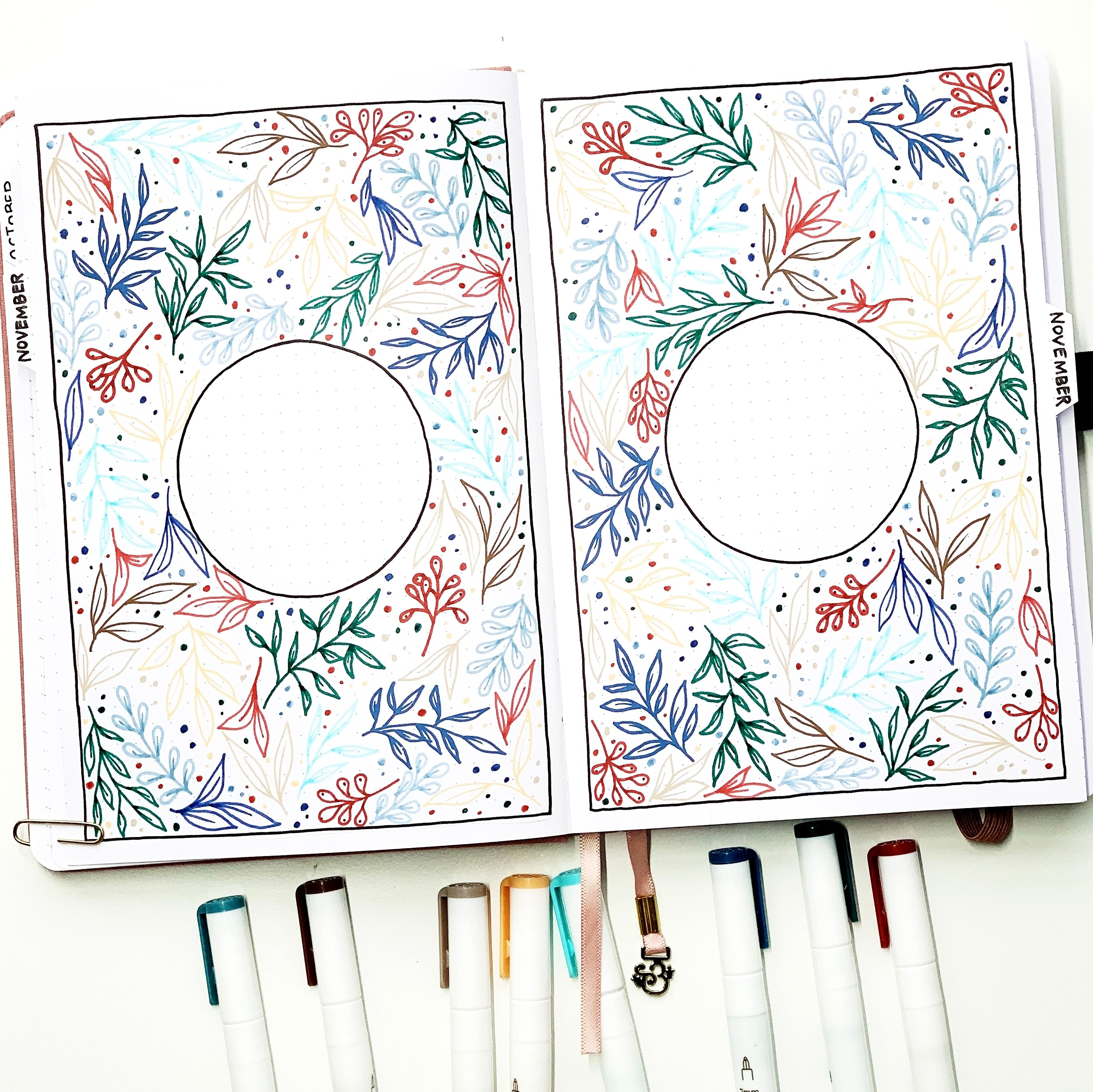 Learn how to create this fall leaf cover page in your bullet journal with Adrienne from @studio80design!