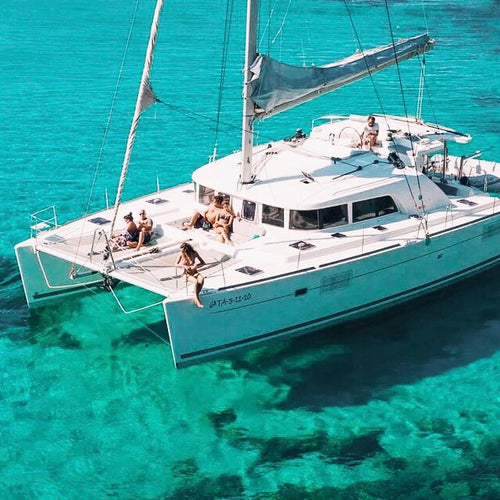 Charter a Tulum yacht with us