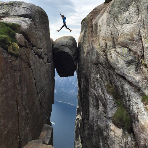 "NORWAY - KJERAG HIKE ""BEAT THE CROWDS"""