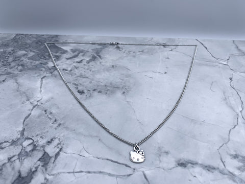 Delicate Kitty necklace