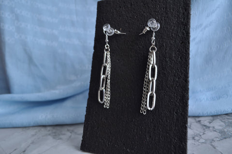 Hard chain earrings