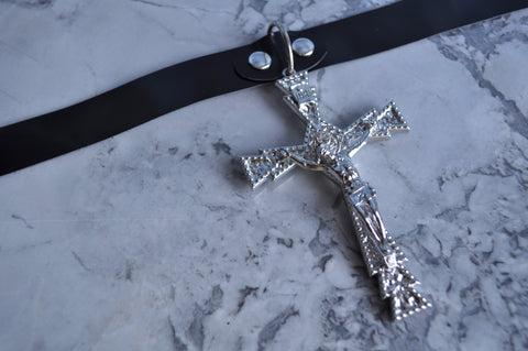 Gothic Cross collar