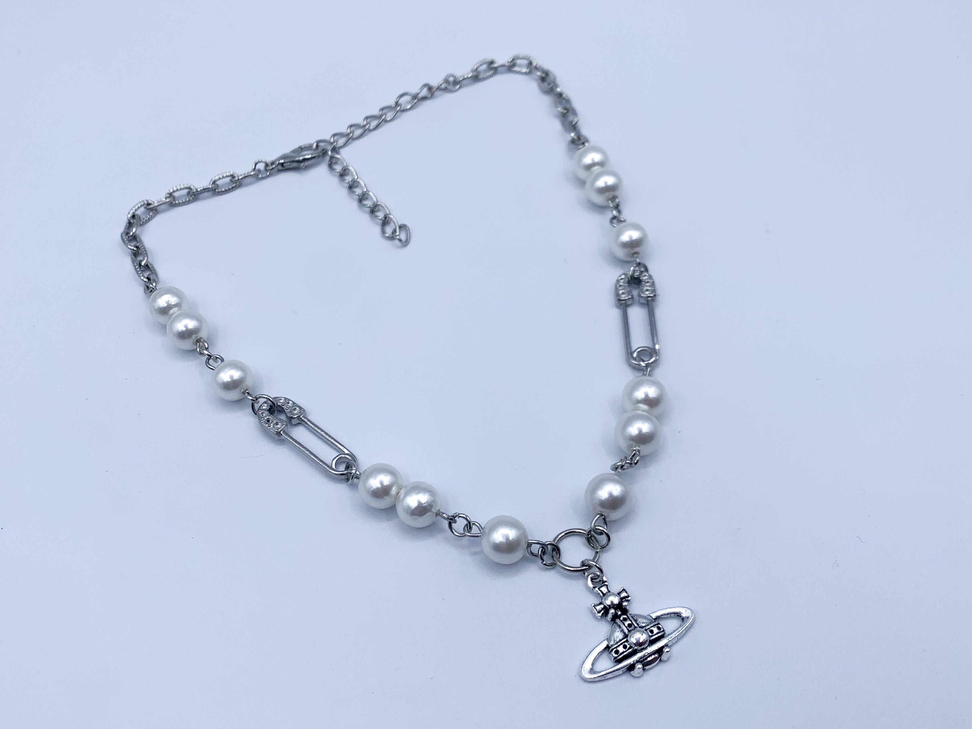 Luxurious Pearl necklace