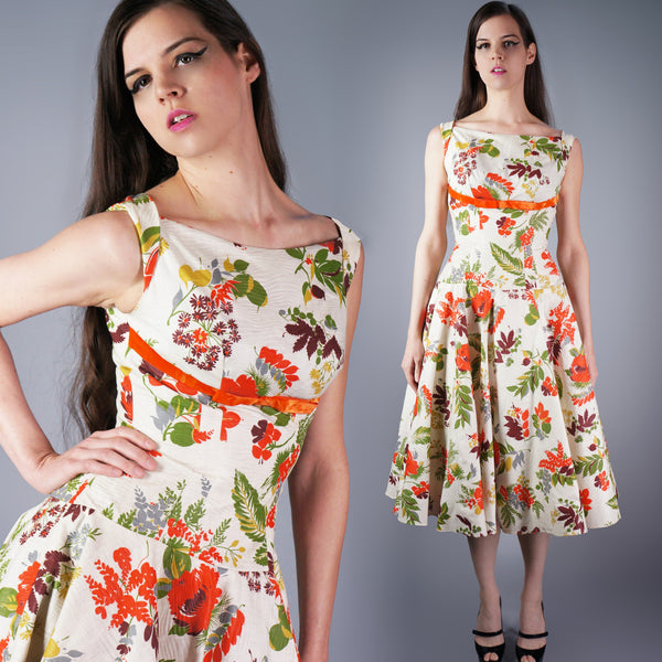 Vintage 50s Shelf Bust Bombshell Dress in a floral print new old stock -  - 1