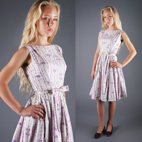 Vintage 50s Novelty Print Vertical Stripes Bow Print Dress in White and Lavender -  - 1