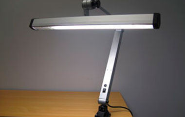 collections/bench-lamp-ML135.jpg