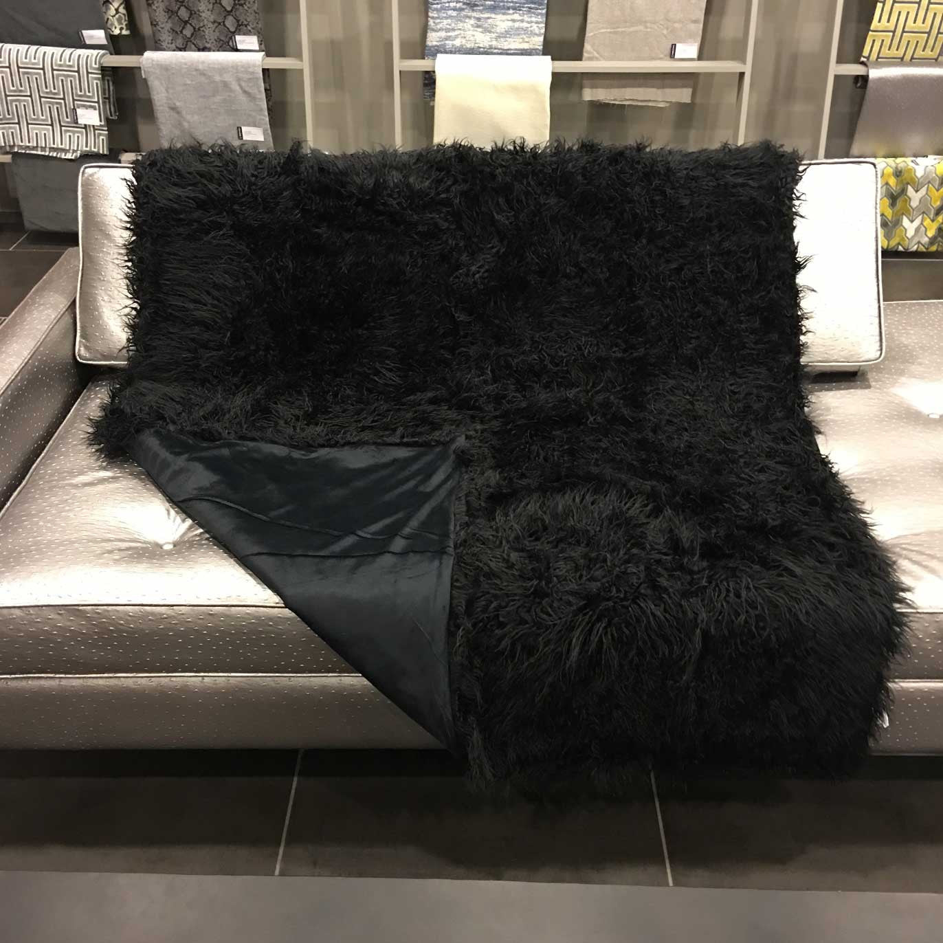 Gigi - Luxurious Shaggy Faux Fur Throw Blanket - 18 Colors