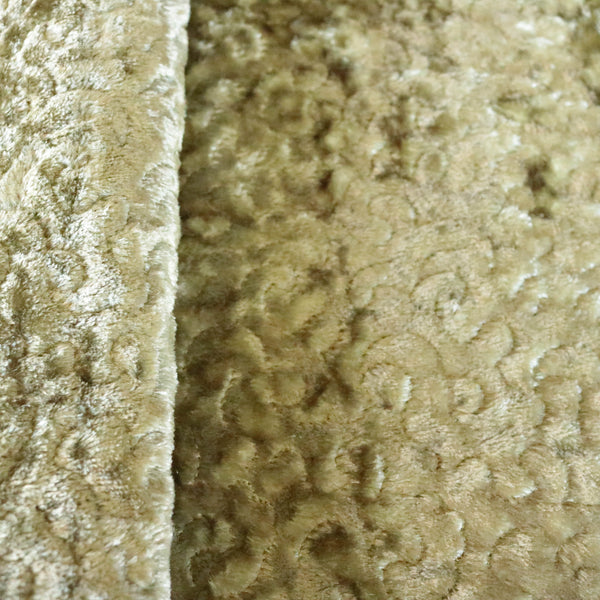 Monte Carlo: Fancy embroidered design on a luxurious metallic panné velvet. Available in 12 colors