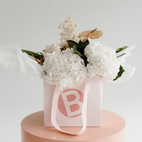 FLOWER BOUQUET, WHITE LUXE FLORAL