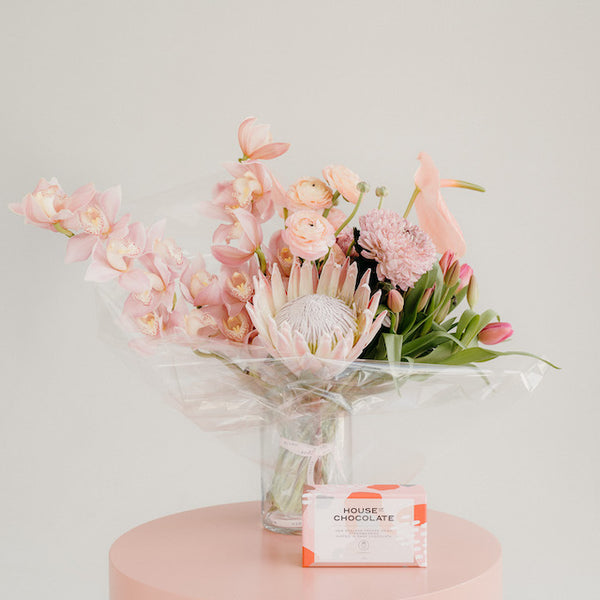 LUXE FLORALS BOUQUET IN VASE + CHOCOLATE TREATS
