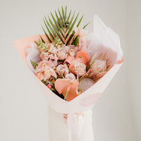 WRAP BOUQUET + MAISON BALZC CANDLE